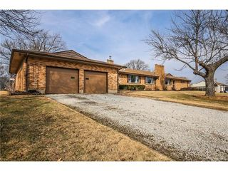 3659 Twin Oaks Dr, Pacific, MO