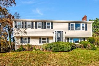 40 Hillcrest Rd, Medfield, MA