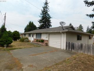 1701 Sunset Ln, Myrtle Pt, OR