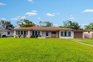1566 S Lake Howard Dr, Winter Haven, FL