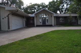 908 10th St, Cooperstown, ND