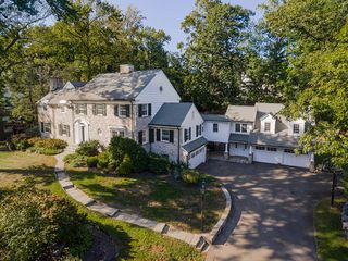 25 Owenoke Way, Riverside, CT
