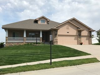 1308 Joy St, Papillion, NE