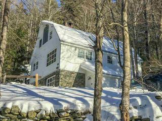 41 Dorr Fitch Rd, West Dover, VT