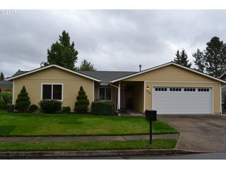 726 SE 17th St, Troutdale, OR