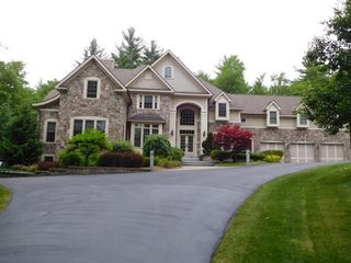 17 Marston Dr, Bedford, NH