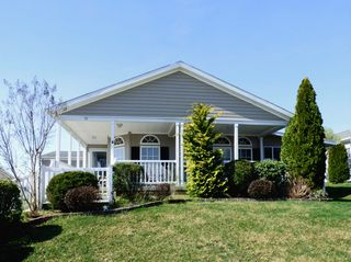 51 Fort Lee Dr, Manahawkin, NJ