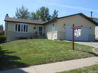 3249 Crocus Ave, Bismarck, ND