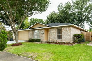 13711 Towne Way Dr, Sugar Land, TX