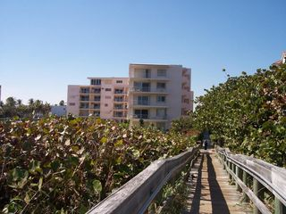 33 Ocean Ave #102, Palm Beach Shores, FL