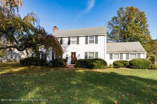51 Woodland Dr, Fair Haven, NJ