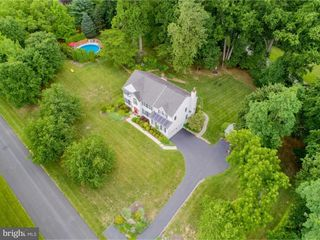 107 Wooded Acres Ln, Downingtown, PA