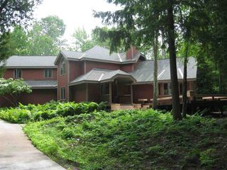 4980 Lake Shore Dr, Charlevoix, MI