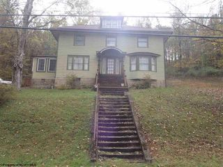 957 Pruntytown Pike, Grafton, WV