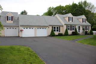 8 Templeton Rd, Wallingford, CT