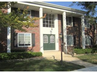 2464 Mulberry Sq, Bloomfield Hills, MI