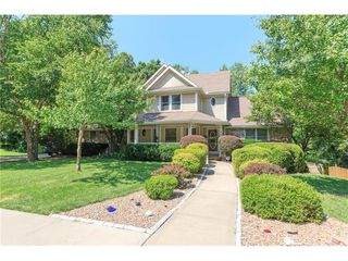 4506 NW Lakota Ct, Riverside, MO