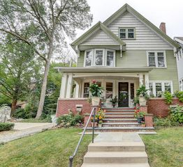 2754 N Prospect Ave, Milwaukee, WI