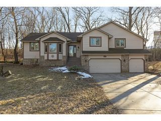 20959 June Ct, Lakeville, MN