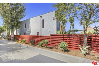 4779 Glenalbyn Dr, Los Angeles, CA