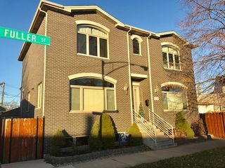 1376 W Fuller St, Chicago, IL