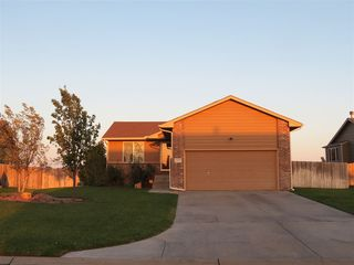 2653 E Spring Hill Ct, Goddard, KS