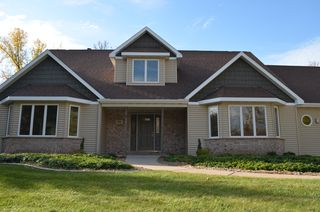 1851 Shady Creek Cir, Suamico, WI