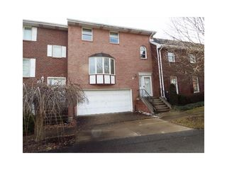 9 Manorfield Cir, Delmont, PA