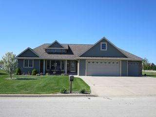 104 Norman Ln, Wrightstown, WI