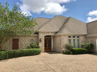 2709 River Oaks Dr, Pt Neches, TX