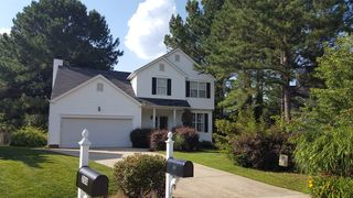 204 Leafgate Ct, Holly Springs, NC