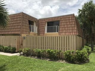802 Blue Ridge Cir, West Palm Beach, FL