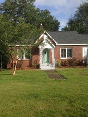 409 W 6th St, Bay Minette, AL