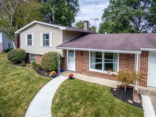 9442 Carriage Ln, Fort Wayne, IN