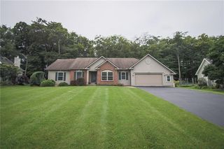 16 Jewelberry Dr, Webster, NY