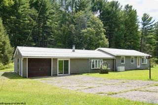 1054 Stonepot Rd, Lost Creek, WV