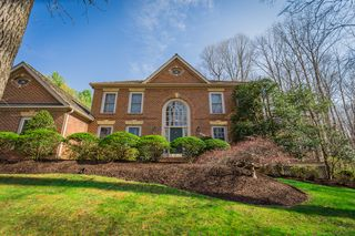 6831 Brimstone Ln, Fairfax Station, VA