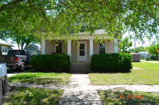1107 N B St, Wellington, KS