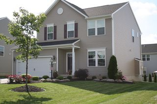 96 Coneflower Dr, West Henrietta, NY