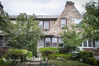 67109 Dartmouth St, Forest Hills, NY