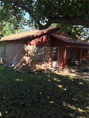 516 Langley Ave, Everman, TX
