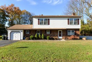 153 Rodman Ct, Eatontown, NJ