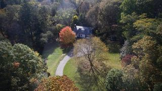 210 Chestnut Hill Rd, Chestnut Hill, MA