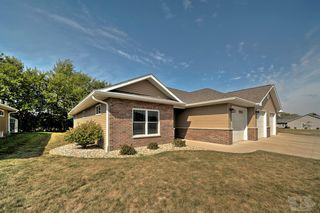 805 Park Pl, West Burlington, IA