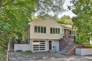 6 Hackensack Ter, Chestnut Hill, MA