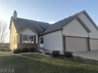 11 Crystal Ct, Bloomington, IL