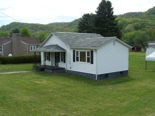 3474 Abbs Valley Rd, Bluefield, VA