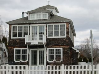 92 Ocean Ave, West Haven, CT