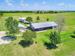 1875 County Road 460, Coupland, TX