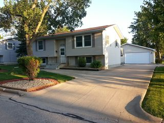 111 6th Ave NW, Dyersville, IA